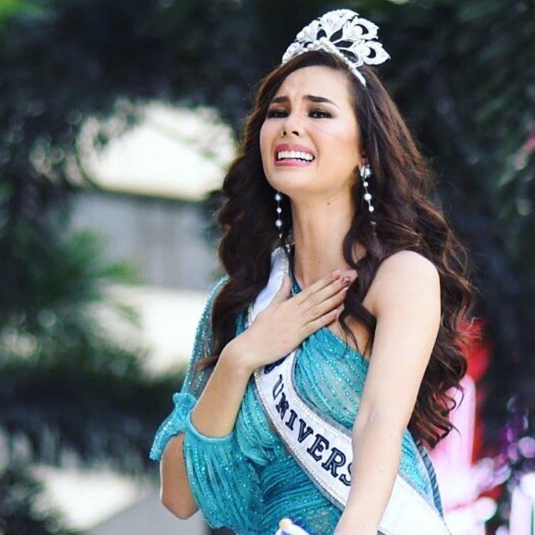 miss universe 2018 emocionada durante welcome home, segunda parade. Uxifisai