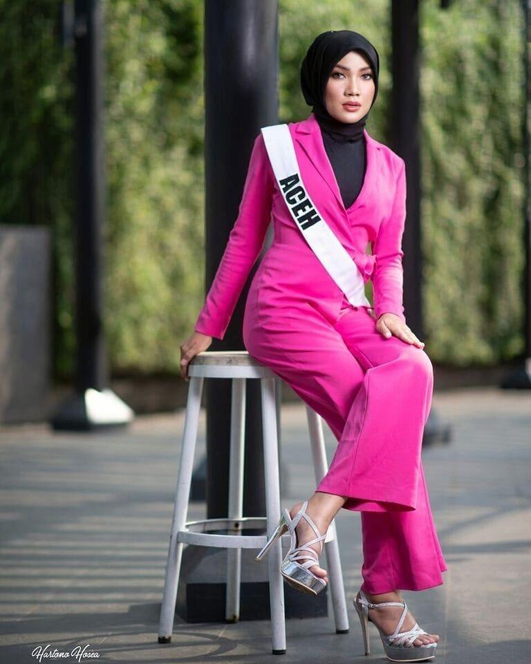 candidatas a puteri indonesia 2019. final: 8 marso. - Página 11 Fy542coh