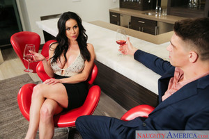 Kendra Lust – Kendra Lust fucks in order to stop her man's bully (25227 / 11.03.2019)