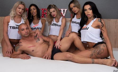 Alice Marques, Bianca Reis, Juliana Leal, Nanda Molinari, Pamela Levinsky - Tgirl 1 Guy Creampie Gangbang Train (FullHD)