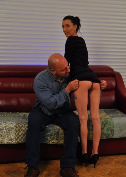 Tania Kiss, Fabrice Triple X - Slutty French newbie Tania Kiss takes hot nailing and facial on the couch (2019/FullHD)