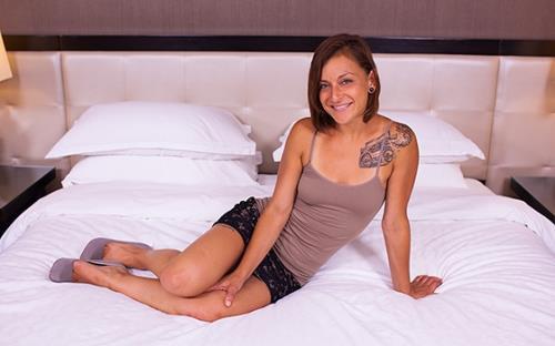 Courtney - 29 year old petite Brazilian gets anal (2019/MomPov.com/HD)