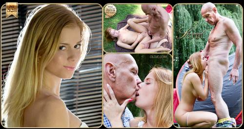 Chrissy Fox - Hot Picnic Sex with Chrissy Fox (2019/ClassMedia.com/Oldje.com/FullHD)