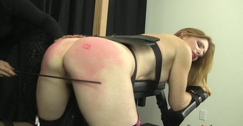 Missy - Missy Spanks Amber on Bench (HD)