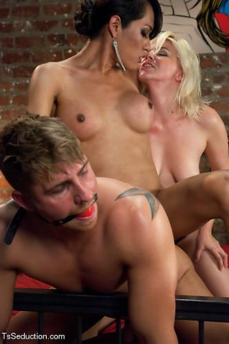 Jesssica Fox, Alice Frost, Logan Vaughn - Who's Afraid of Jessica Fox? The Evil Neighbour Sequel Threesome , Shemale on male (HD)