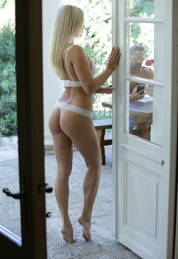 Cayla Lyons - Outdoor Pleasures